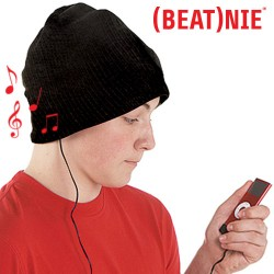(BEAT)NIE Hat with Earphones